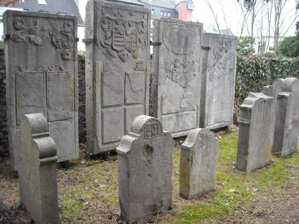 08 Evangelischer Friedhof