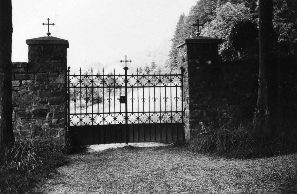 08 Alter katholischer Friedhof