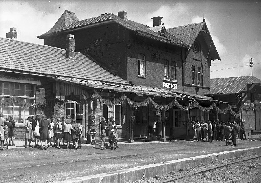 25 Bahnhof